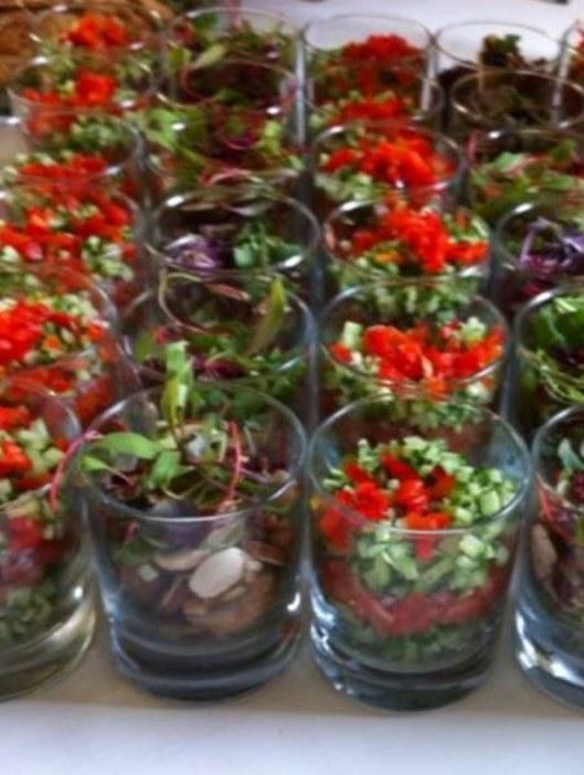 קייטרינג שולץ סלט ירקות ישראלי. צילום אסף לוי (1)