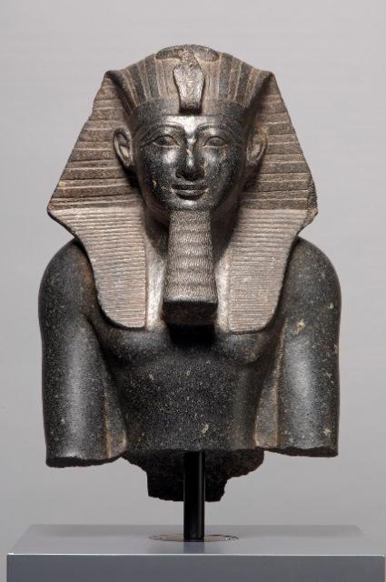 פסל בדמות תחותמס השלישי מצריים. המאה ה 15 לפני הספירה. מוזיאון לתולדות ה...